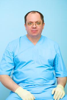 Щека Андрей Викторович Врач хирург, имплантолог в стоматологии Добрый Доктор в Лобне